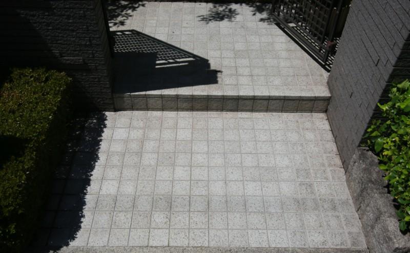 玄関タイル洗浄・磨き